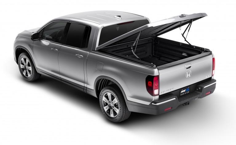 Honda Ridgeline Bed Cover >> Honda Ridgeline Gallery : A.R.E. Truck Caps and Tonneau Covers